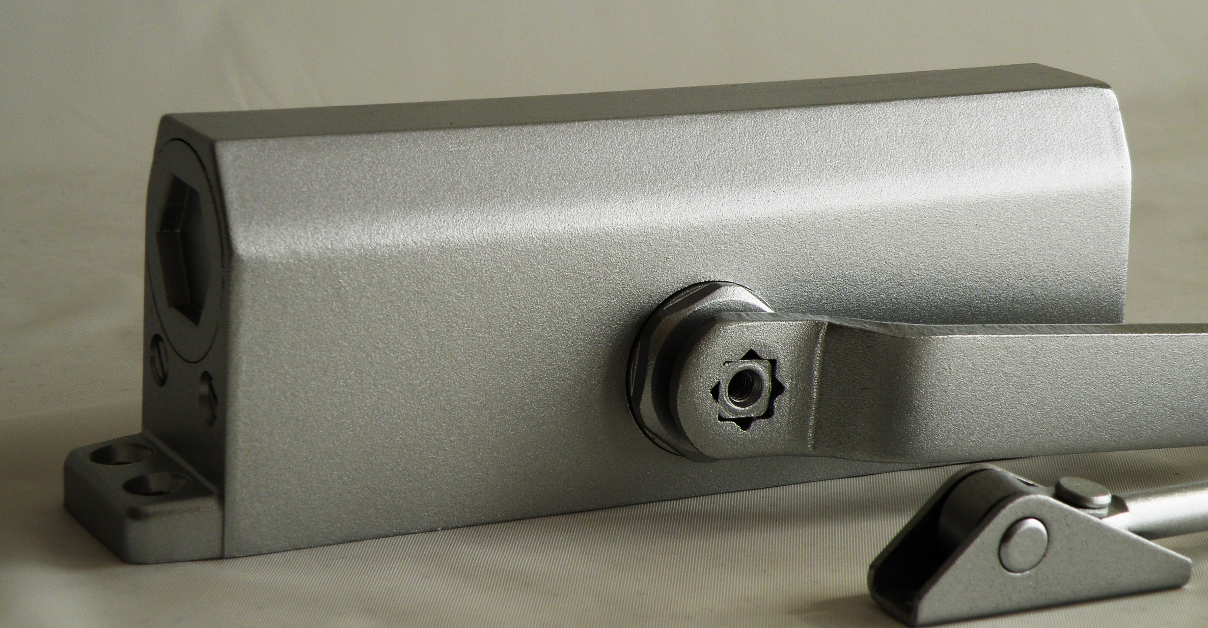 aluminum finish commercial grade surface mounted hydraulic dual speed door closer